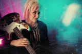 Jennifer Batten a Fishman TriplePlay